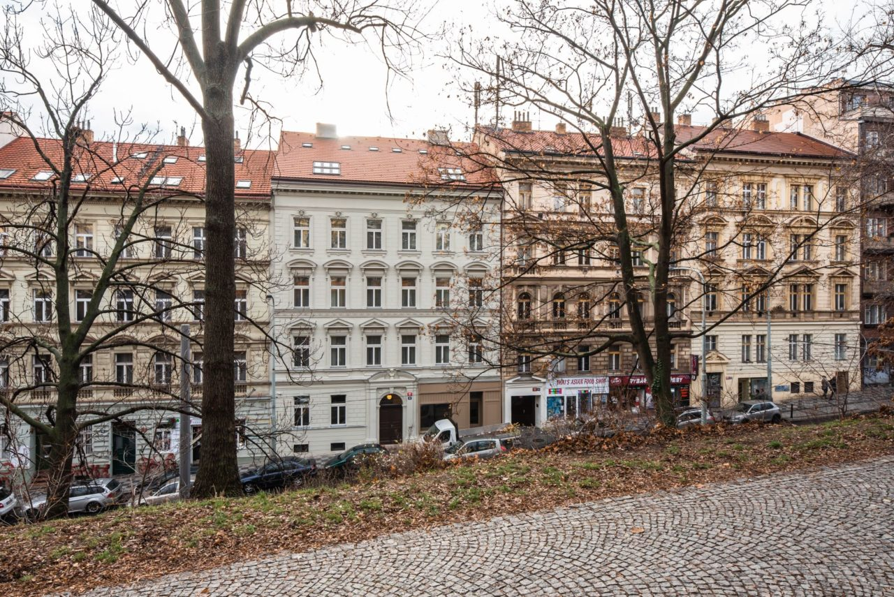 návrh rekonstrukce bytového domu ve Vinohradech